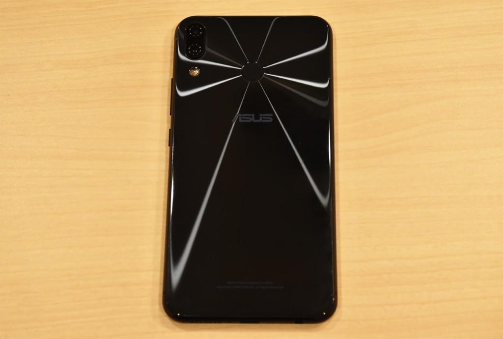 ZenFone5 背面