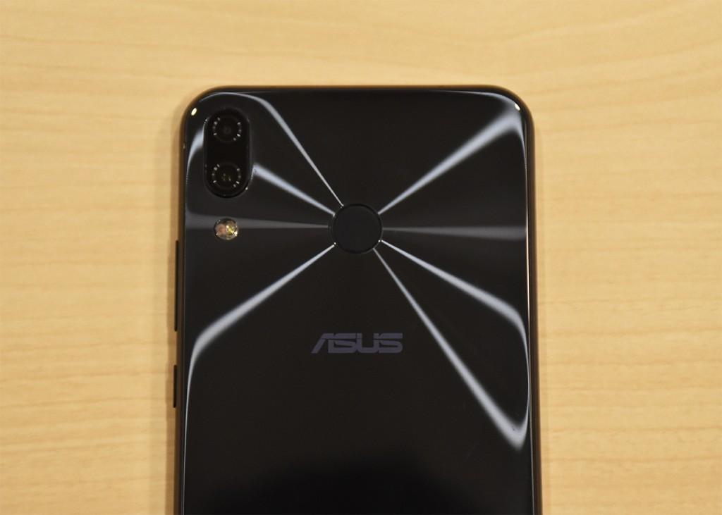 ZenFone5 指紋認証